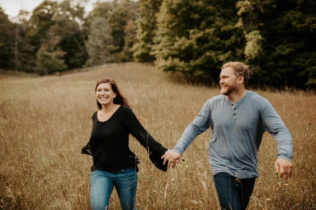 Michigan hiking couples photos